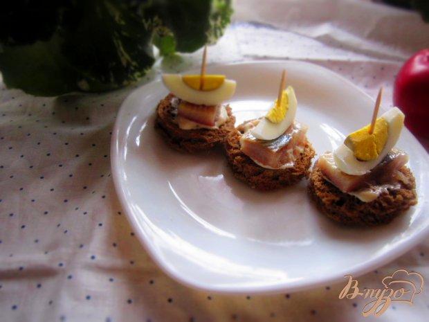 Закуска с селедкой и яйцом