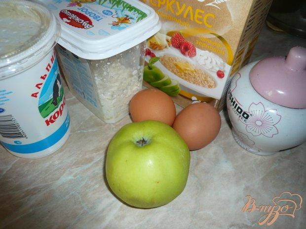Творожно-яблочная запеканка с овсяными хлопьями