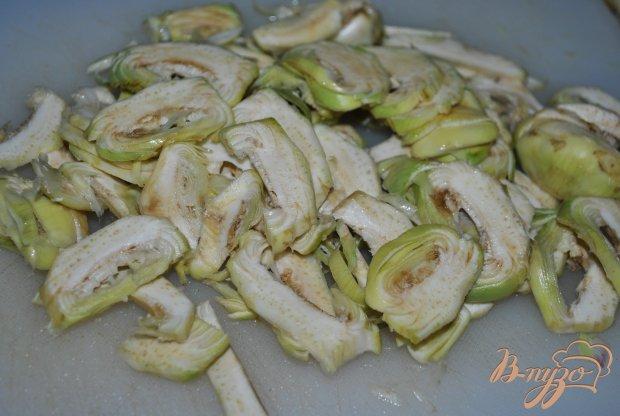 Салат из свежих артишоков