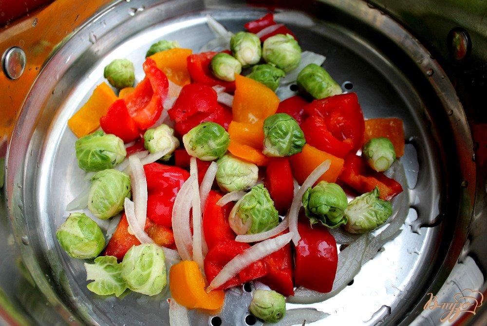 Фото приготовление рецепта: Овощи под сырным соусом шаг №3