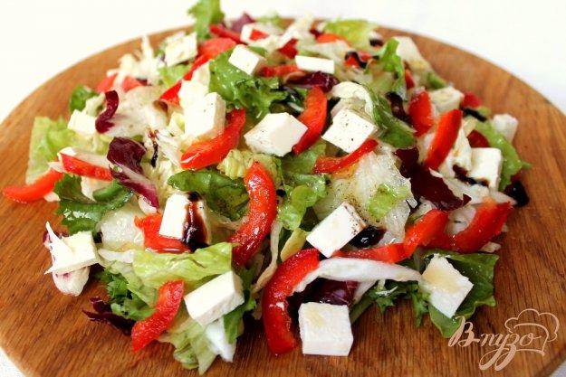 фото рецепта: Микс салат с болгарским перцем и брынзой