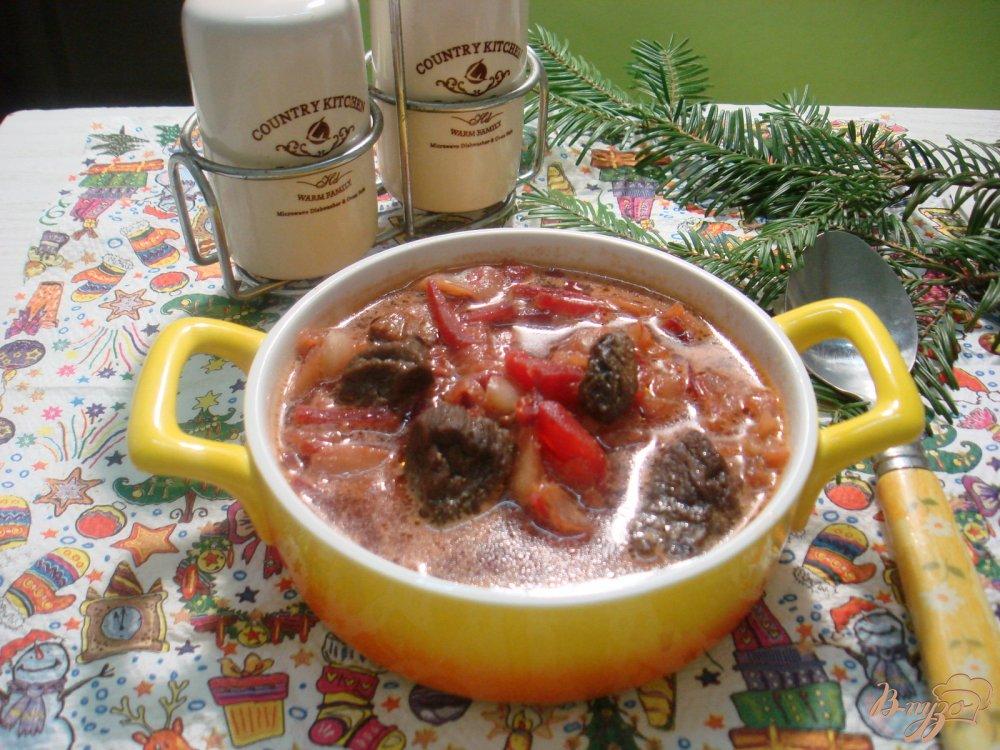 Фото приготовление рецепта: Борщ с сухими лесными грибами шаг №8