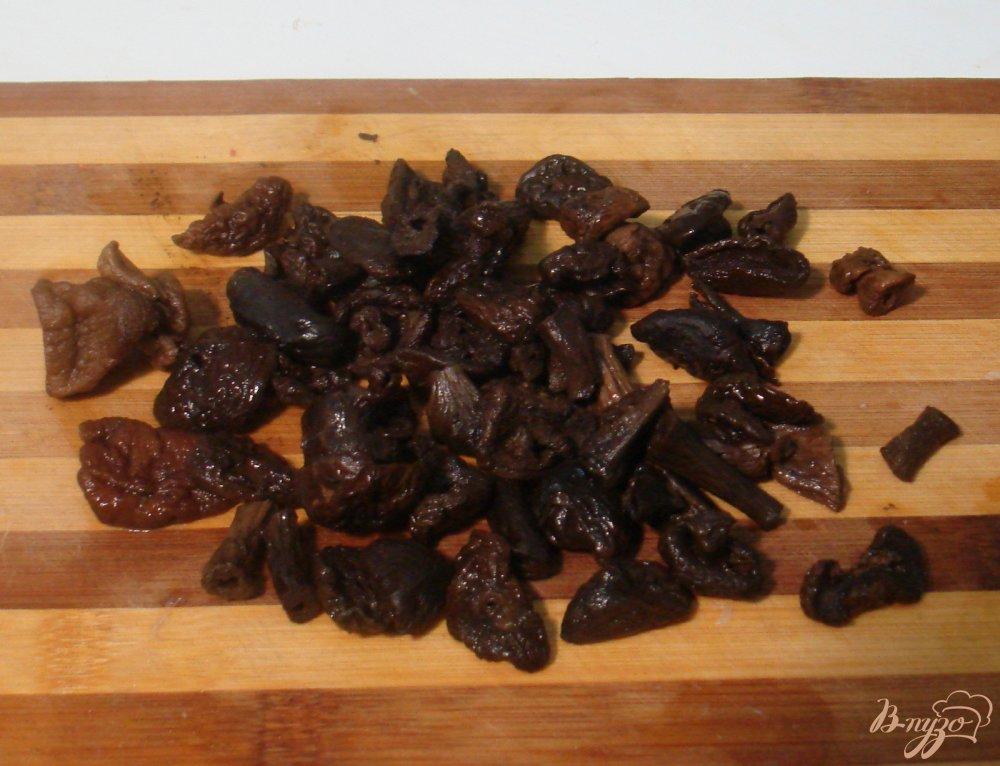 Фото приготовление рецепта: Борщ с сухими лесными грибами шаг №3