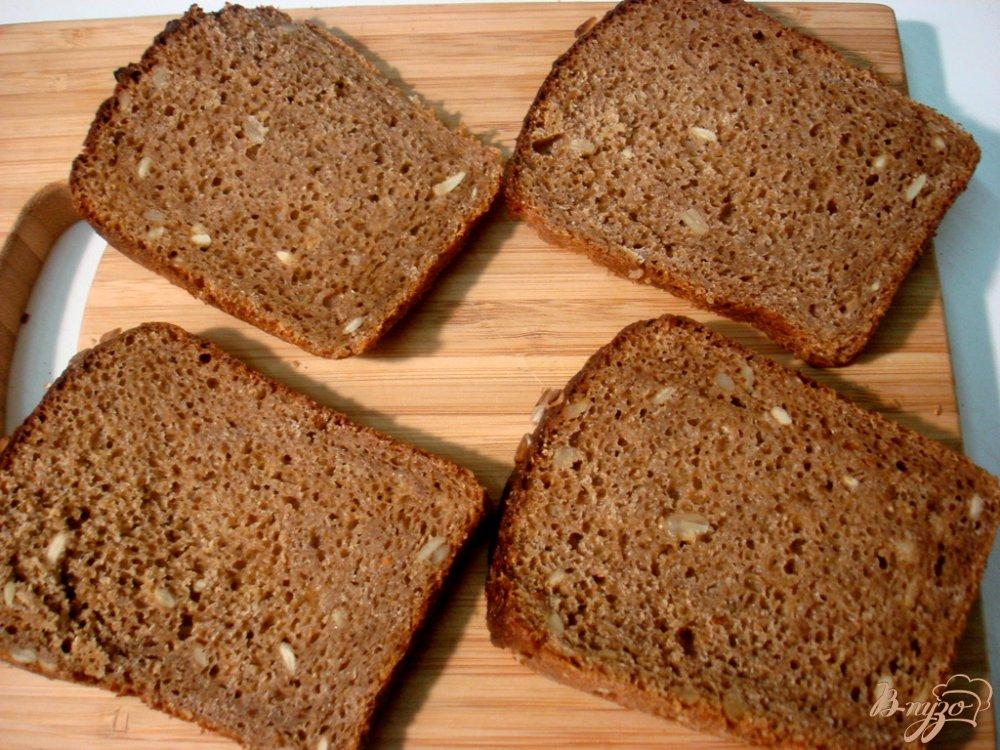 Фото приготовление рецепта: Бутерброды с сельдью шаг №1