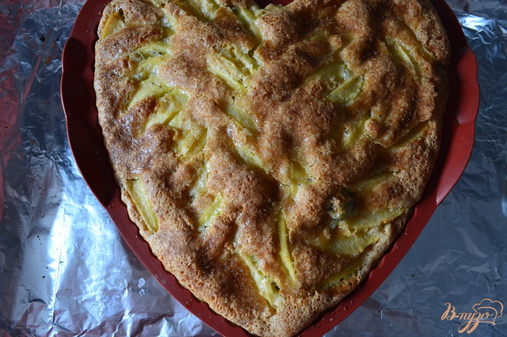 Фото приготовление рецепта: Маковая шарлотка с яблоками шаг №5
