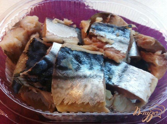 Фото приготовление рецепта: Канапе со слабосоленой скумбрией шаг №2
