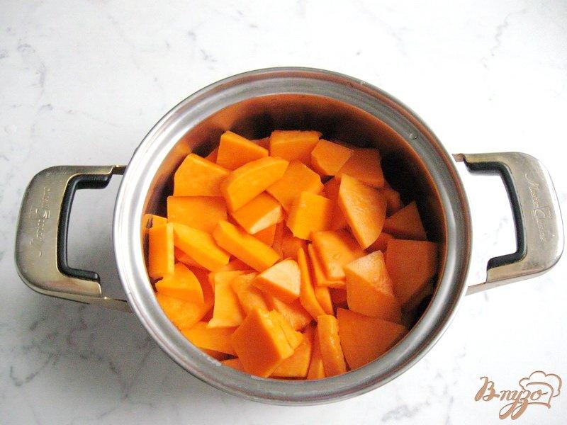 Фото приготовление рецепта: Тыквенная каша с пшеном и яблочным вареньем шаг №1