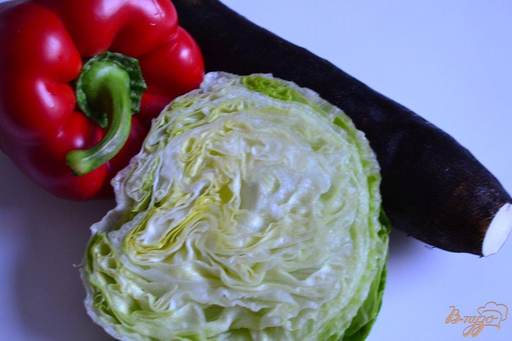 Фото приготовление рецепта: Салат с черной редькой шаг №1