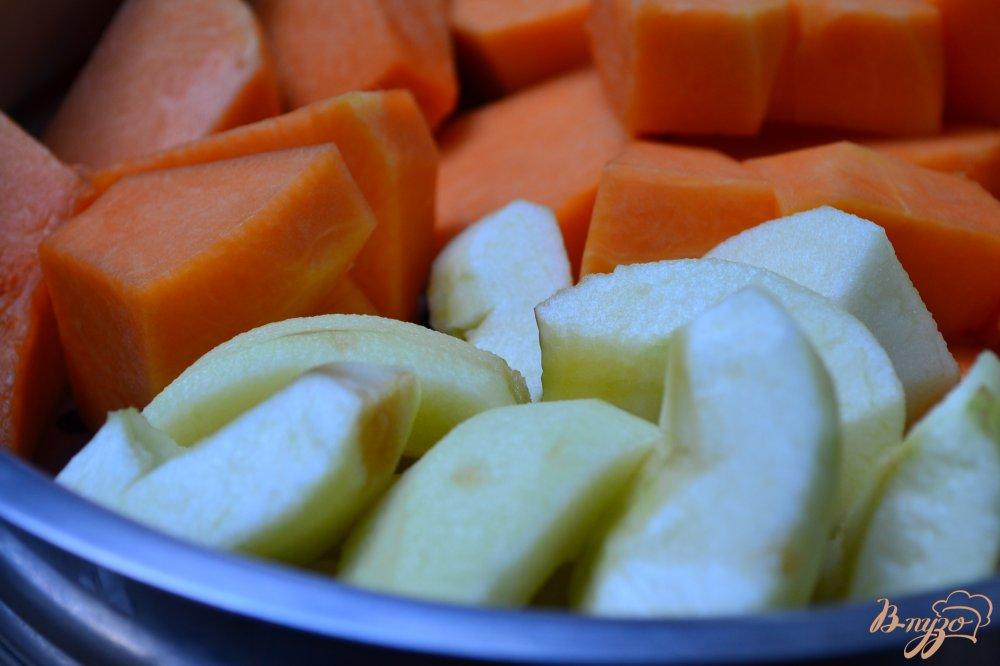 Фото приготовление рецепта: Утиная грудка с тыквенно-яблочным пюре шаг №7