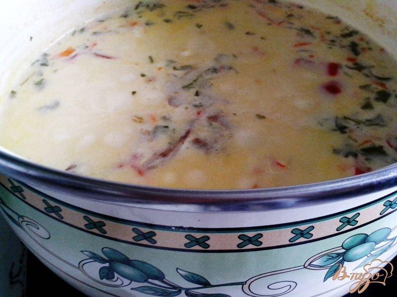 Фото приготовление рецепта: Сырный суп шаг №5