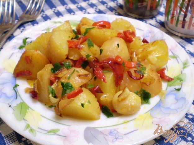 фото рецепта: Картофель с чесноком и болгарским перцем