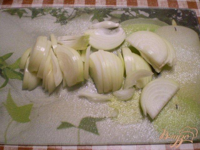 Фото приготовление рецепта: Картофель с чесноком и болгарским перцем шаг №4