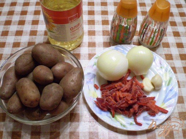 Фото приготовление рецепта: Картофель с чесноком и болгарским перцем шаг №1