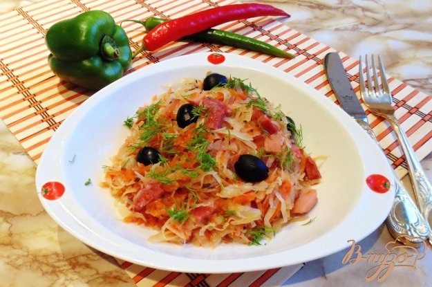 фото рецепта: Солянка с копченой колбасой и сосисками