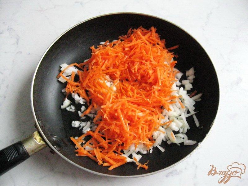 Фото приготовление рецепта: Солянка с копченой колбасой и сосисками шаг №1