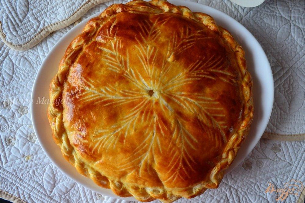 Фото приготовление рецепта: Королевская галета (Galette des rois) шаг №7