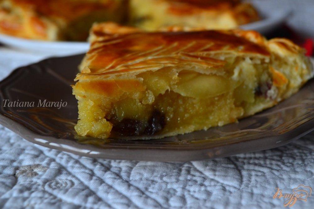 Фото приготовление рецепта: Королевская галета (Galette des rois) шаг №8