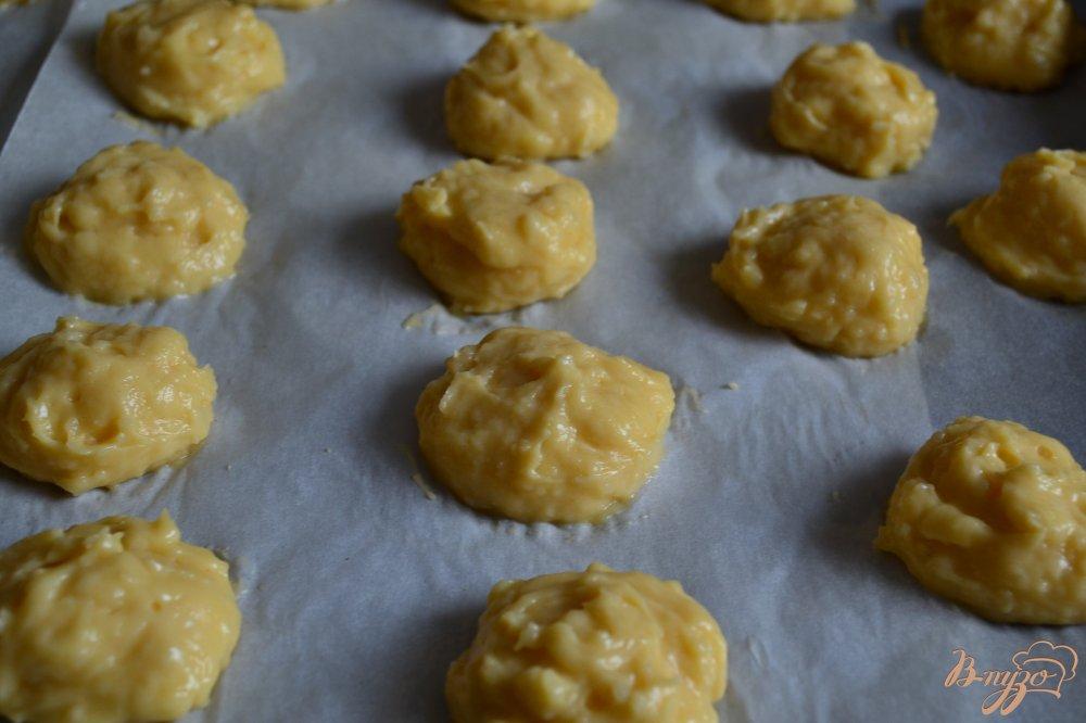 Фото приготовление рецепта: Заварные пирожные с лимонным кремом и фруктами шаг №2