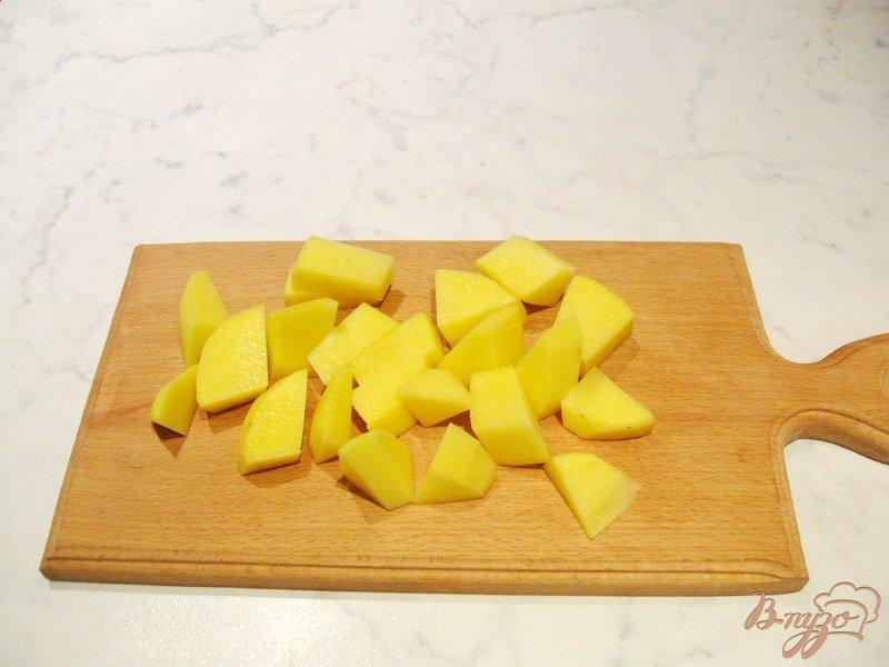Фото приготовление рецепта: Постный гороховый суп с гренками и маслинами шаг №3