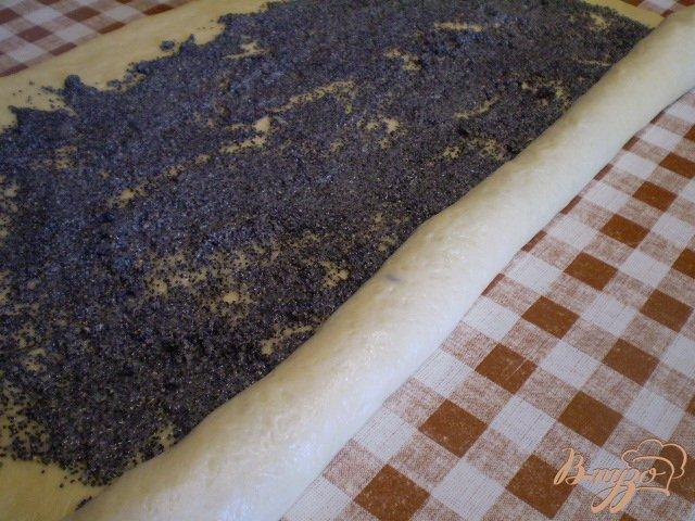 Фото приготовление рецепта: Булочка-улитка с маком шаг №12