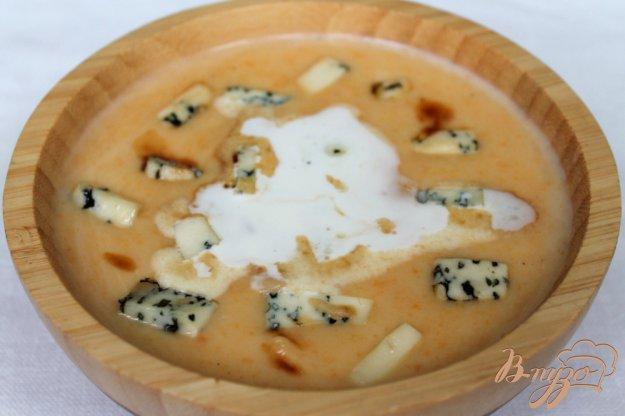 фото рецепта: Крем-суп с голубым сыром