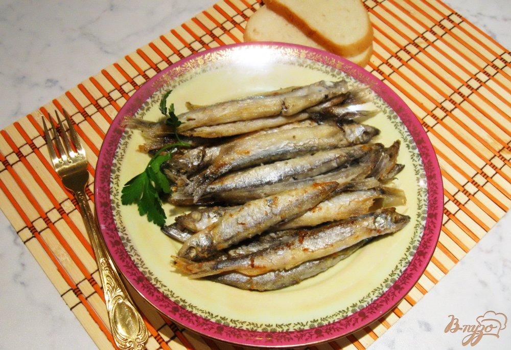 Фото приготовление рецепта: Жареная мойва шаг №5