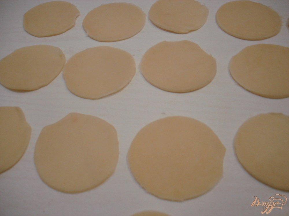 Фото приготовление рецепта: Заварные вареники с капустой и с картошкой. шаг №5