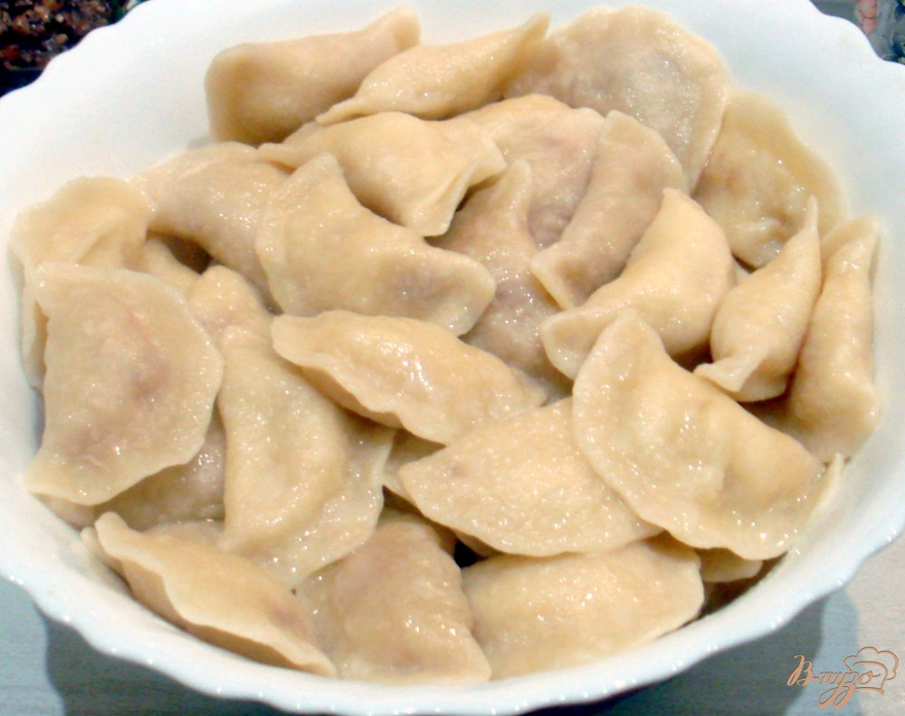 Фото приготовление рецепта: Заварные вареники с капустой и с картошкой. шаг №7