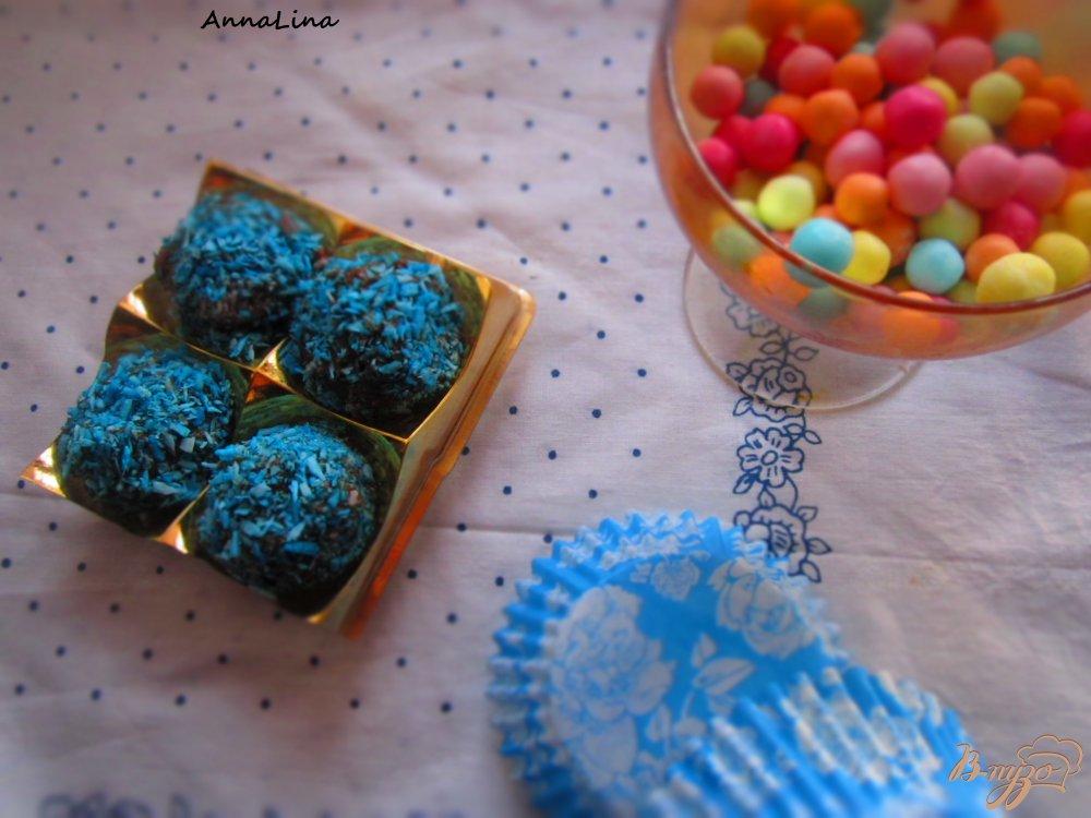 Фото приготовление рецепта: Манные конфеты шаг №4