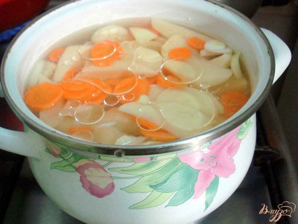 Фото приготовление рецепта: Картофельный суп шаг №2