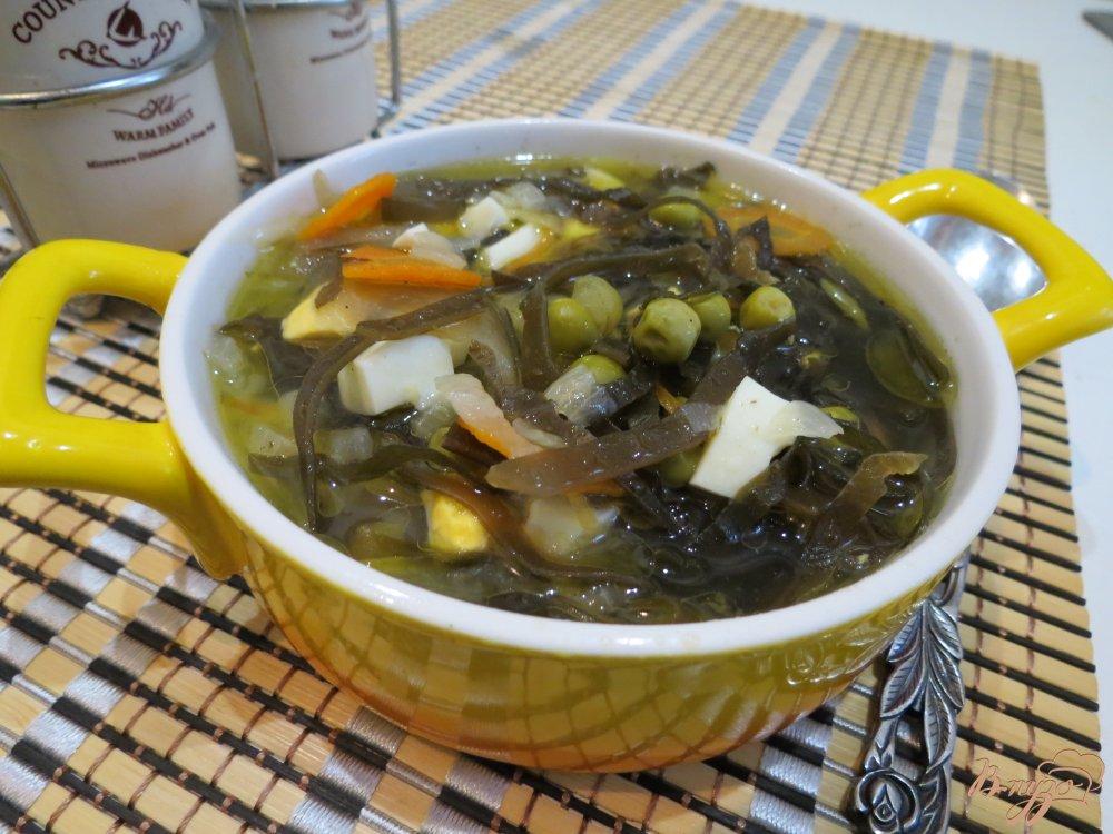 Фото приготовление рецепта: Суп с морской капустой шаг №7