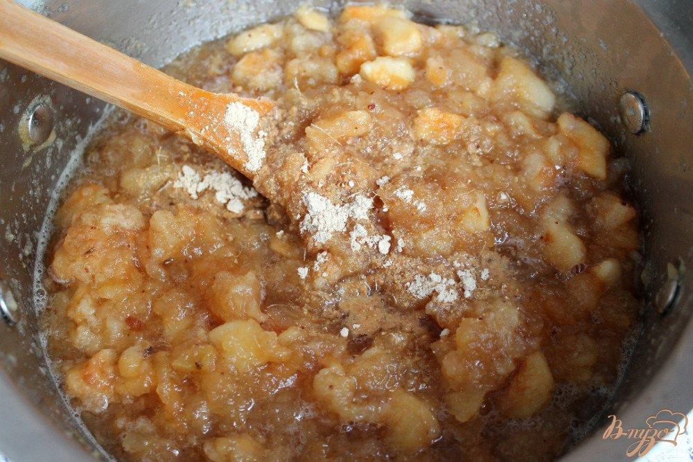 Фото приготовление рецепта: Яблочная начинка для пирогов на зиму шаг №4