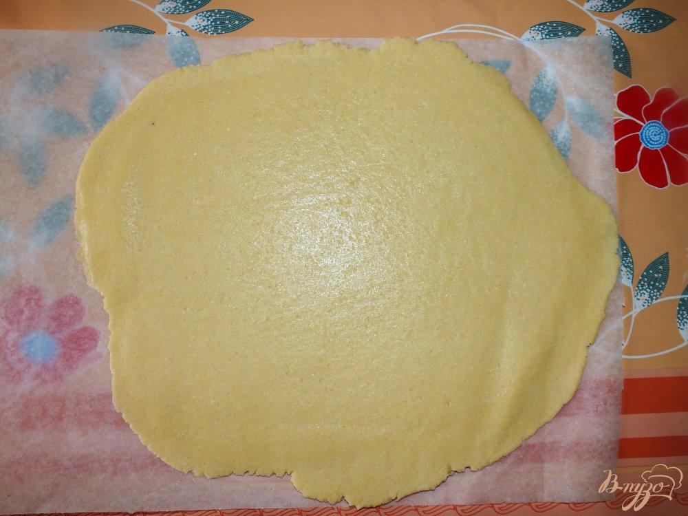 Фото приготовление рецепта: Кростата с кремом из рикотты шаг №7