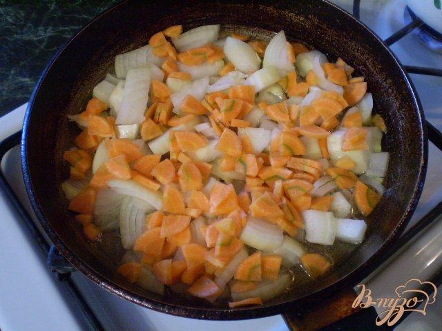 Фото приготовление рецепта: Суп кукурузный с яйцом и зеленью шаг №5