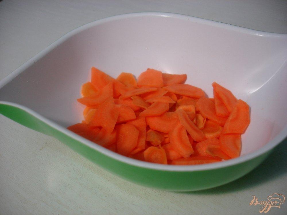 Фото приготовление рецепта: Суп с зелёным горошком и перцем шаг №3