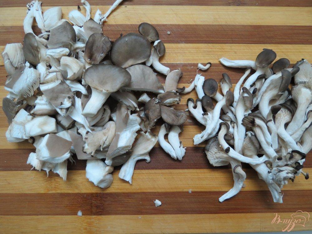 Фото приготовление рецепта: Суп с вешенками и брокколи шаг №5