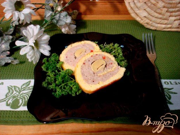 фото рецепта: Рулет сырный с фаршем
