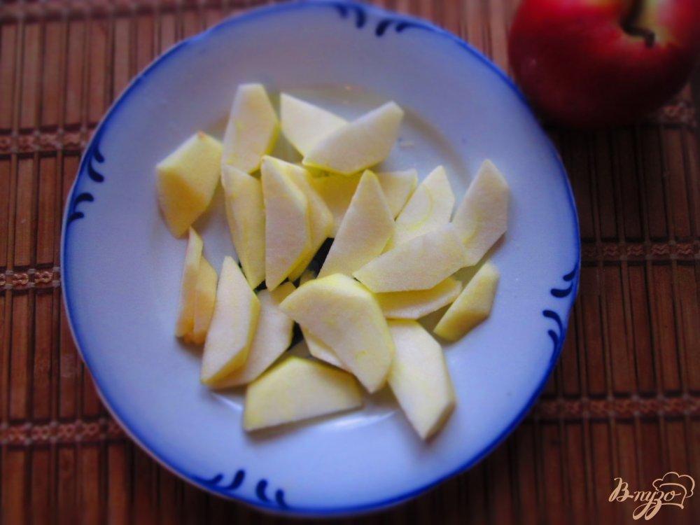 Фото приготовление рецепта: Яблоки в кляре шаг №1