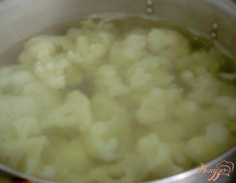 Фото приготовление рецепта: Запеканка с цветной капустой шаг №2