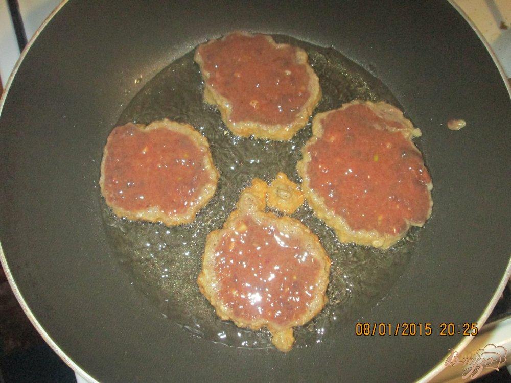 Фото приготовление рецепта: Печёночные оладьи шаг №3