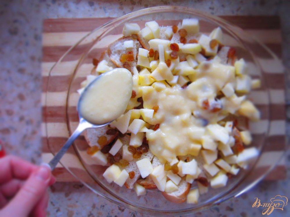 Фото приготовление рецепта: Хлебный пудинг с заварным кремом шаг №4