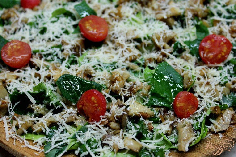 Фото приготовление рецепта: Зеленый салат с топинамбуром и сыром шаг №8