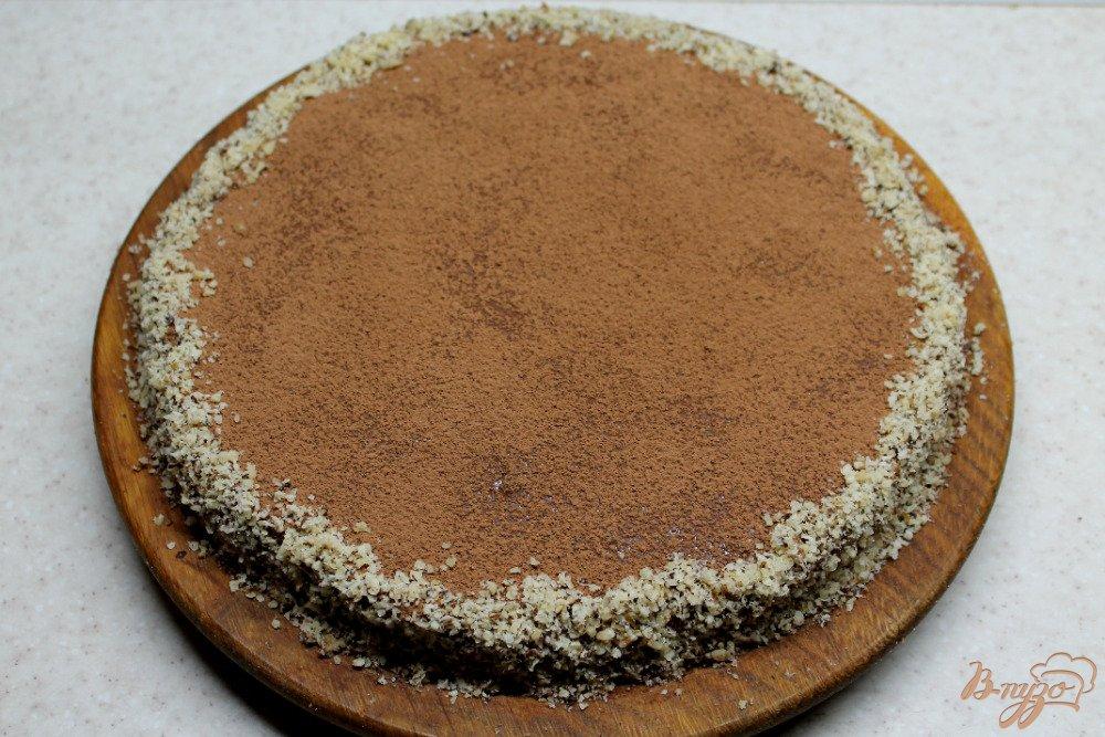 Фото приготовление рецепта: Шоколадно-ореховый торт шаг №10