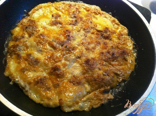 Фото приготовление рецепта: Ленивый бризоль с черносливом и сыром шаг №4