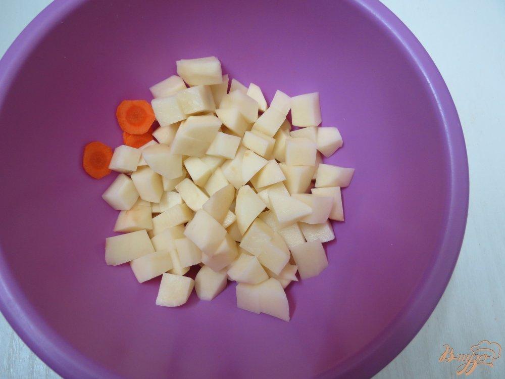Фото приготовление рецепта: Суп из пекинской капусты на бульоне шаг №3