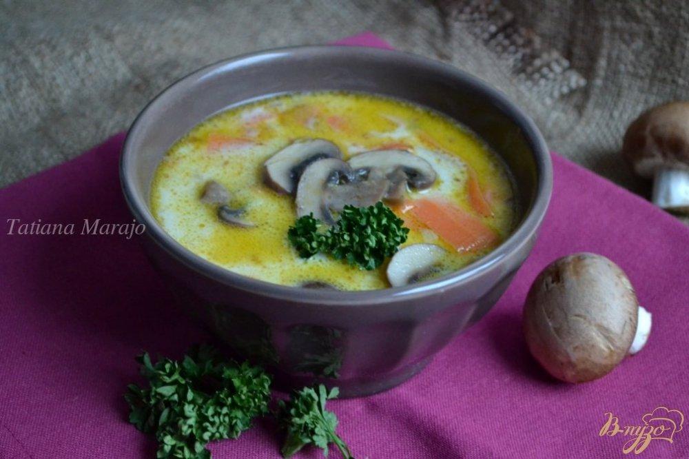 Фото приготовление рецепта: Сливочный суп с шампиньонами шаг №8