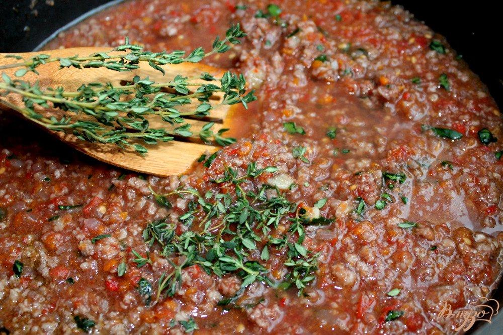 Фото приготовление рецепта: Спагетти болоньезе шаг №7
