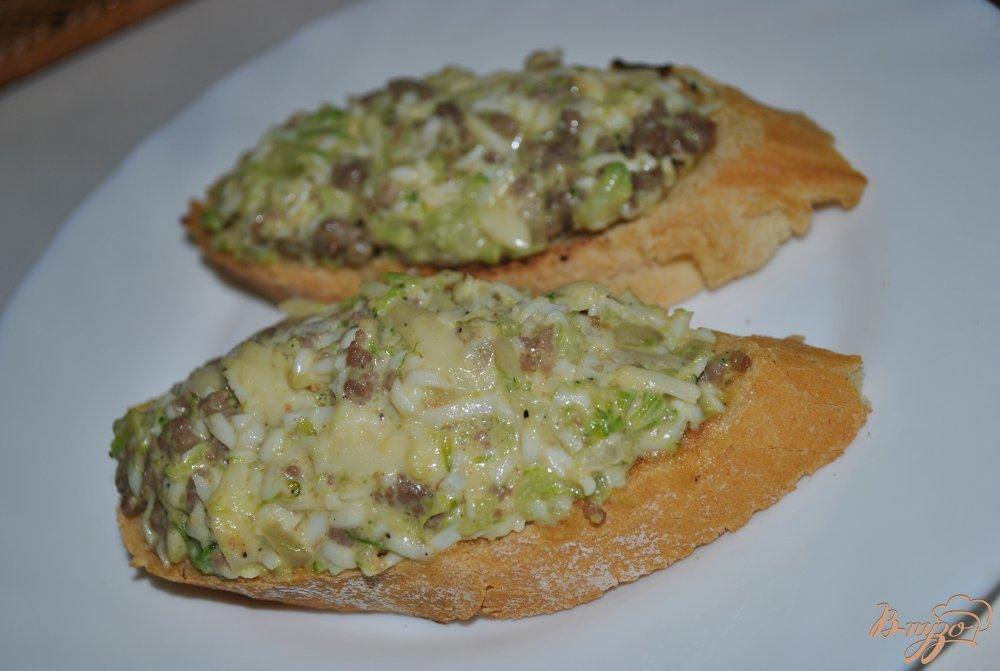 Фото приготовление рецепта: Горячие бутерброды шаг №10