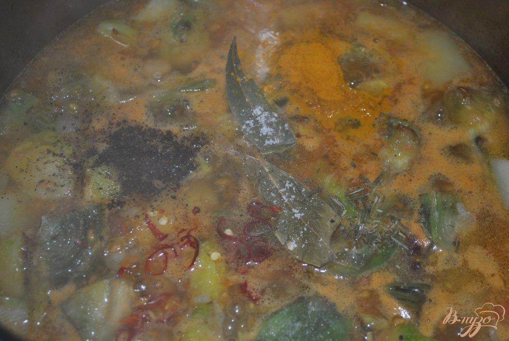 Фото приготовление рецепта: Суп-крем с брюссельской капустой и артишоками шаг №11