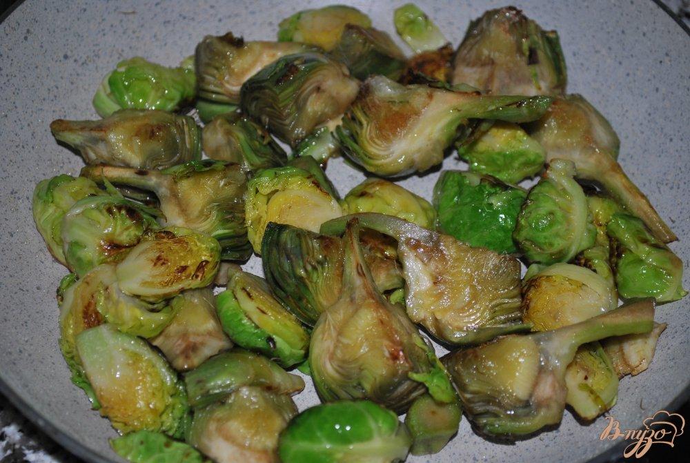 Фото приготовление рецепта: Суп-крем с брюссельской капустой и артишоками шаг №5